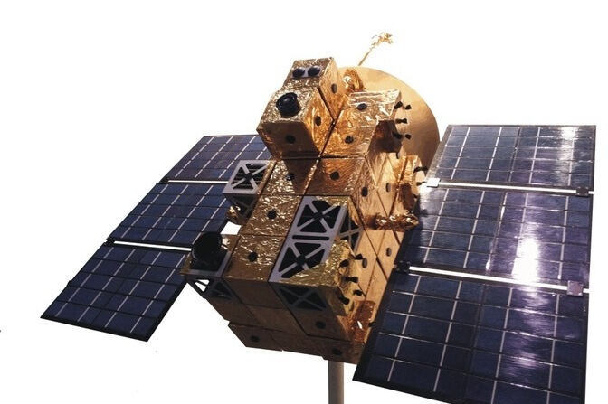 iBOSS Satellit